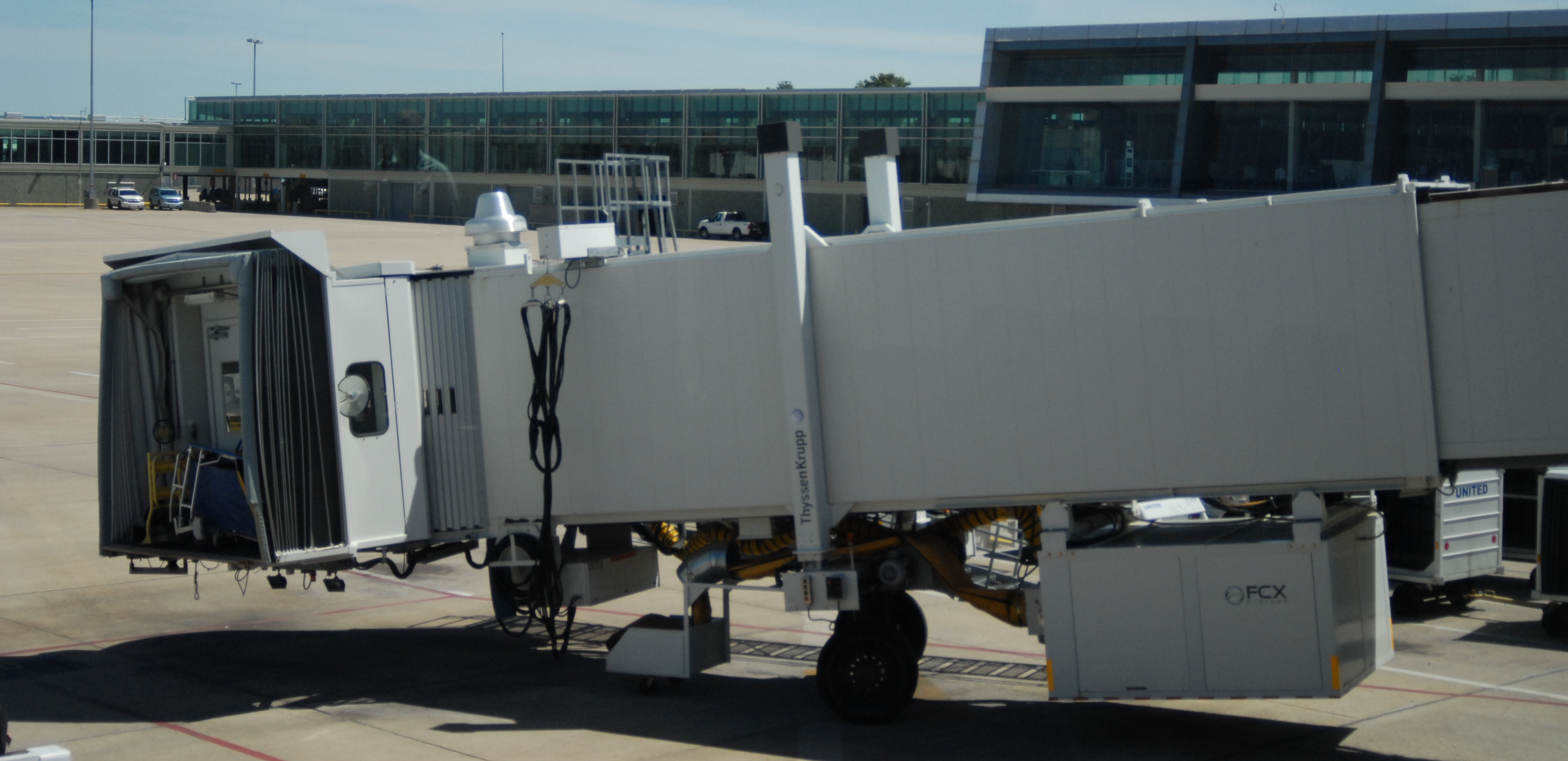 Jet Bridges & Passenger Walkways